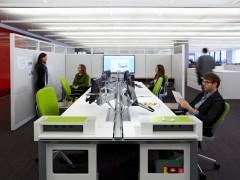 praca-zespolowa-w-biurze-6